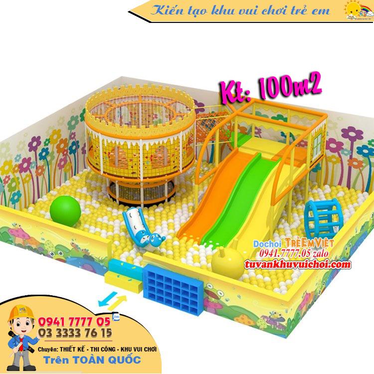 Trò chơi liên hoàn với nhà banh và cầu trượt.