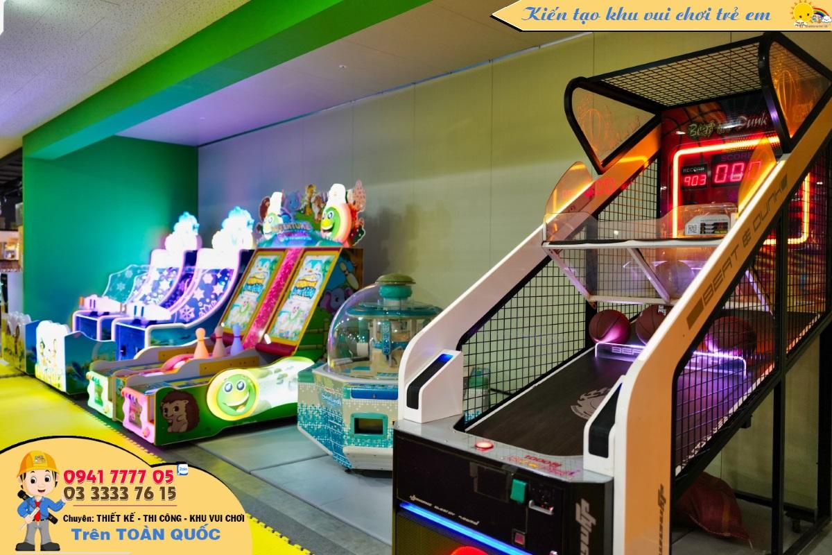 Khu máy game điện tử được đặt bên trong khu vui chơi.