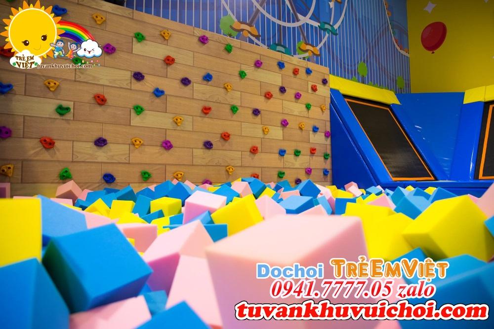 Tường leo núi + Hồ xốp + sàn nhún bật nhảy jump arena