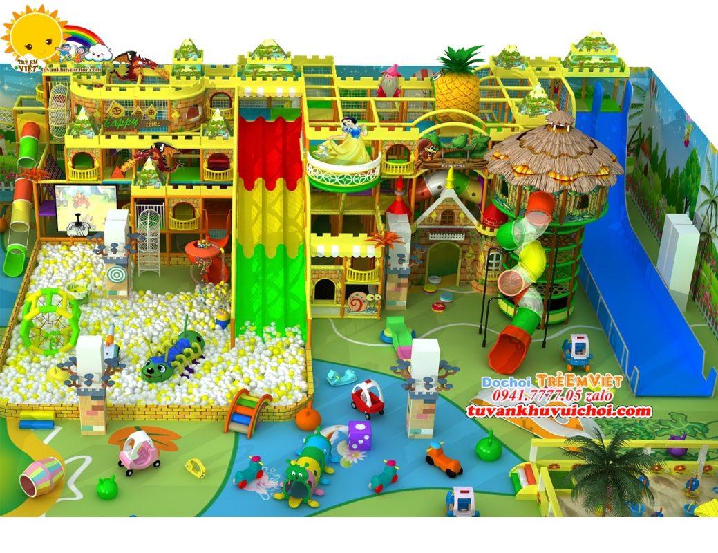 Nhà bóng liên hoàn với quy mô lớn nhiều máng trượt, ống trượt và nhiều đồ chơi.