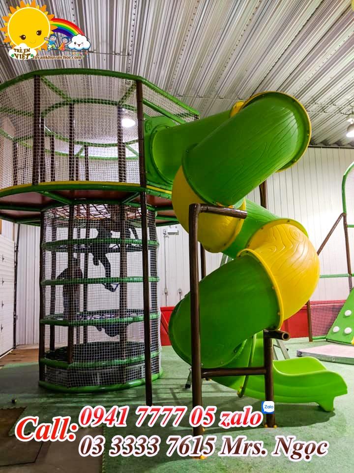 Thi công tháp nhệnh và ống trượt xoắn