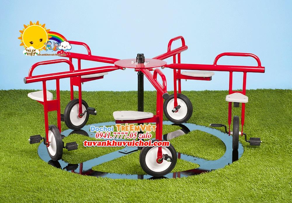 Mâm xoay xe đạp được sử dụng cho khu vui chơi trẻ em ngoài trời.