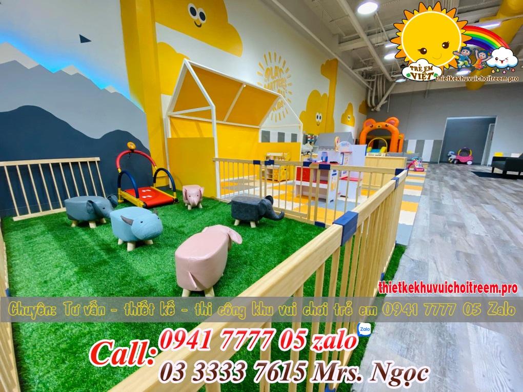 Thiết kế và lắp đặt khu vui chơi trẻ em trong nhà.